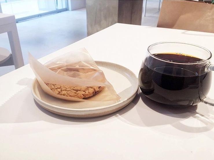 コーヒー 神戸 ボトル ブルー